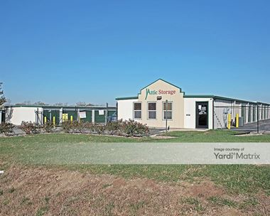 Storage Units for Rent available at 21660 West 207th Street, Spring Hill, KS 66083 Photo Gallery 1