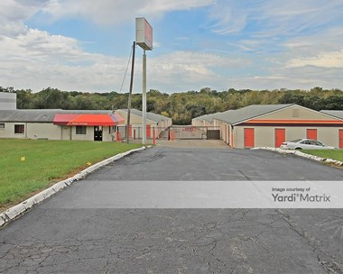 Storage Units for Rent available at 7100 West Frontage Road, Merriam, KS 66203 Photo Gallery 1