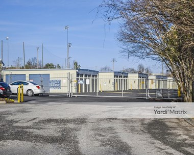 Storage Units for Rent available at 8337 Gleason Drive, Knoxville, TN 37919 Photo Gallery 1