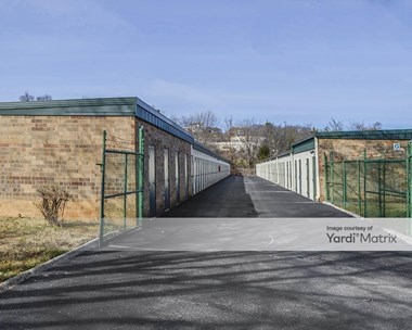 Storage Units for Rent available at 6415 Baum Drive, Knoxville, TN 37919 Photo Gallery 1