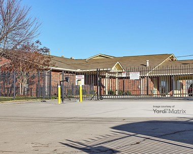 Storage Units for Rent available at 520 Twin Lakes Road, Lenoir City, TN 37772 Photo Gallery 1