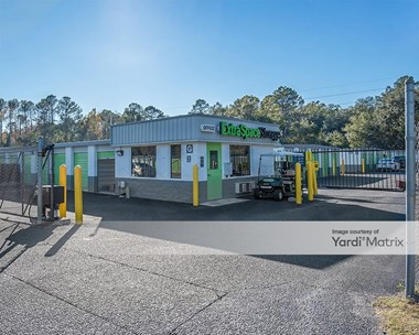 Storage Units for Rent available at 1951 Maybank Hwy, Charleston, SC 29412 Photo Gallery 1