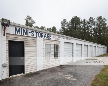 Storage Units for Rent available at 106 Stephanie Drive, Goose Creek, SC 29445 Photo Gallery 1