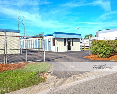 Storage Units for Rent available at 2586 Oscar Johnson Drive, North Charleston, SC 29405 Photo Gallery 1