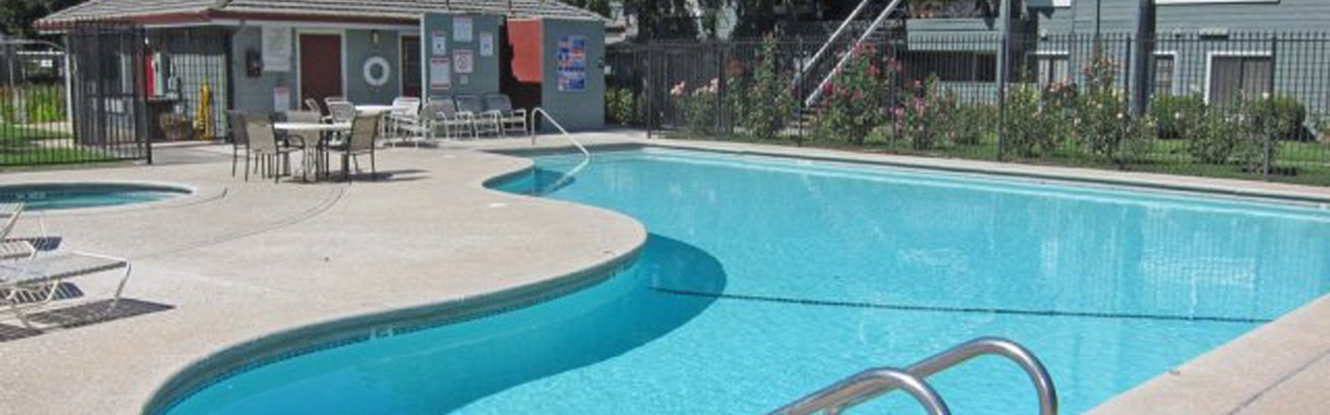 Lodi Ca l Lakeshore Meadows and Garden | Apartments | Pool