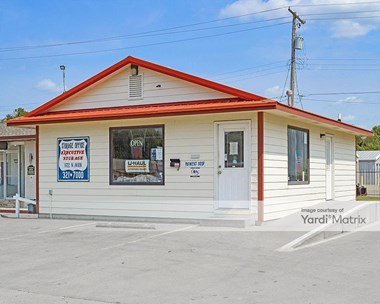 Storage Units for Rent available at 101 East 12th Avenue, El Dorado, KS 67042 Photo Gallery 1