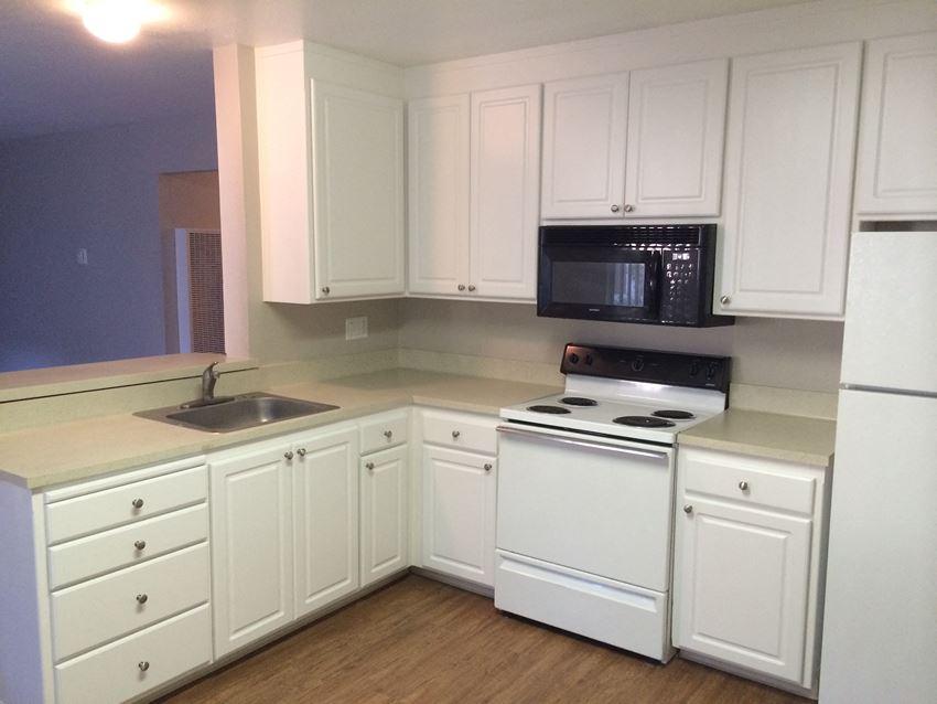 Sterling Point   Davis CA   Kitchen
