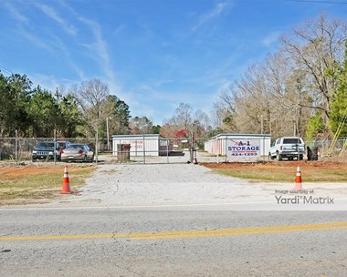 Storage Units for Rent available at 1105 Ehrenclou Drive, Camden, SC 29020 Photo Gallery 1