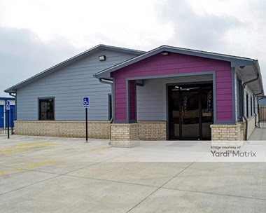 Storage Units for Rent available at 8121 East 45th Street North, BelAire, KS 67226 Photo Gallery 1