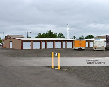 Storage Units for Rent available at 490 North 3Rd Street, Harrisburg, OR 97446 Photo Gallery 1