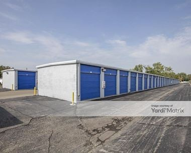 Storage Units for Rent available at 262 East Maple Road, Troy, MI 48083 Photo Gallery 1