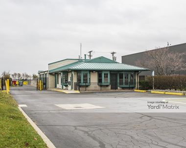 Storage Units for Rent available at 1150 Coolidge Hwy, Troy, MI 48084 Photo Gallery 1