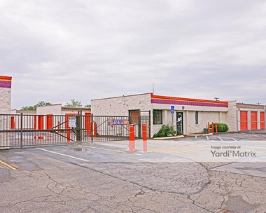Storage Units for Rent available at 6401 Busch Blvd, Columbus, OH 43229 Photo Gallery 1