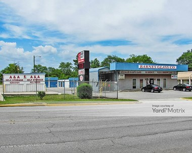 Storage Units for Rent available at 68 Green Street, Warner Robins, GA 31093 Photo Gallery 1