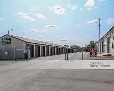 Storage Units for Rent available at 2031 Mishawaka Road, Elkhart, IN 46517 Photo Gallery 1