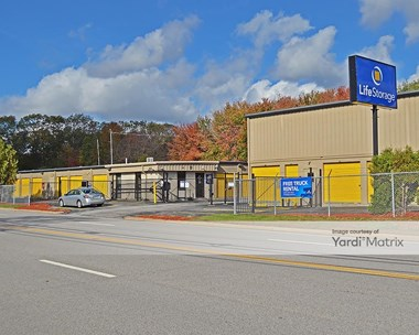 Storage Units for Rent available at 5 James P Murphy Indusrial Hwy, West Warwick, RI 02893 Photo Gallery 1