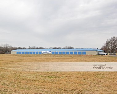Storage Units for Rent available at 4822 Mann Road, Indianapolis, IN 46221 Photo Gallery 1