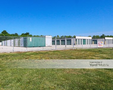 Storage Units for Rent available at 7600 Highway 31, Sellersburg, IN 47172 Photo Gallery 1