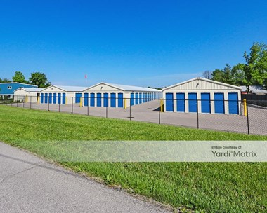 Storage Units for Rent available at 8511 Commerce Park Drive, Sellersburg, IN 47172 Photo Gallery 1