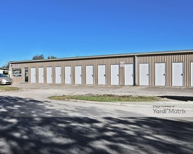 Storage Units for Rent available at 11 North 21st Street, Temple, TX 76504 Photo Gallery 1