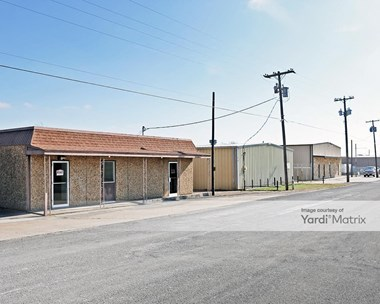 Storage Units for Rent available at 1053 Industrial Drive, Hewitt, TX 76643 Photo Gallery 1