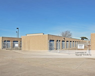 Storage Units for Rent available at 6809 Woodway Drive, Waco, TX 76712 Photo Gallery 1