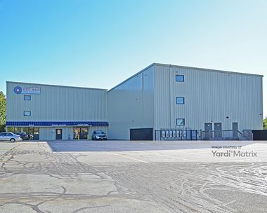 Storage Units for Rent available at 825 West Main Road, Middletown, RI 02842 Photo Gallery 1