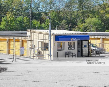 Storage Units for Rent available at 872 Church Street Ext, Northbridge, MA 01534 Photo Gallery 1