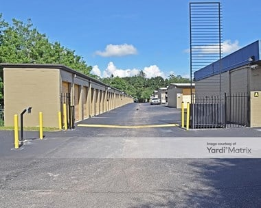 Storage Units for Rent available at 3116 West Tharpe Street, Tallahassee, FL 32303 Photo Gallery 1