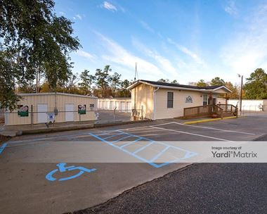Storage Units for Rent available at 900 North Gum Street, Summerville, SC 29483 Photo Gallery 1