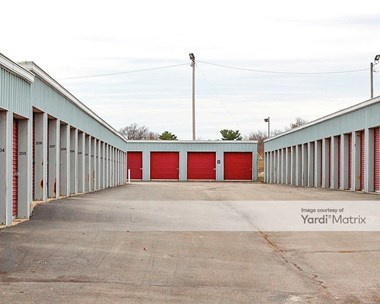 Storage Units for Rent available at 4211 Meadowbrook Drive, Louisville, KY 40218 Photo Gallery 1