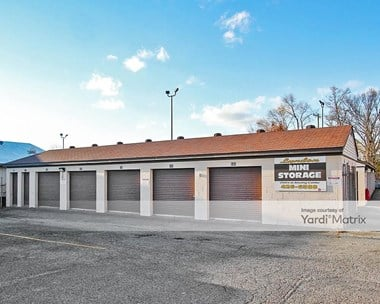 Storage Units for Rent available at 8119 New LaGrange Road, Louisville, KY 40222 Photo Gallery 1