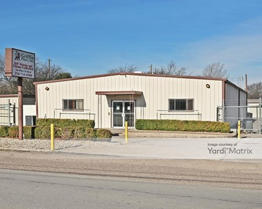 Storage Units for Rent available at 4521 Memorial Drive, Waco, TX 76711 Photo Gallery 1