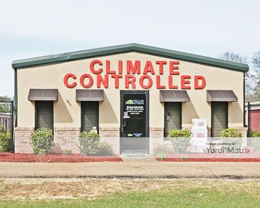 Storage Units for Rent available at 671 Holly Bush Road, Brandon, MS 39047 Photo Gallery 1