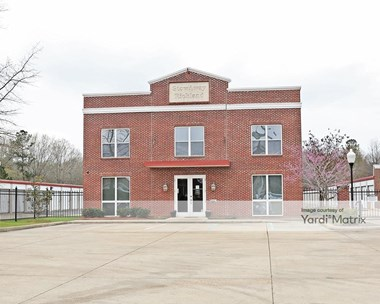 Storage Units for Rent available at 133 Center Street, Richland, MS 39218 Photo Gallery 1