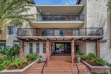 3450 Sawtelle Boulevard 1-2 Beds Apartment for Rent Photo Gallery 1