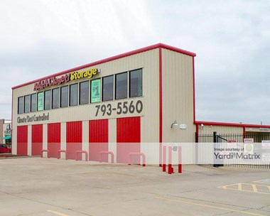 Storage Units for Rent available at 5807 4th Street, Lubbock, TX 79416 Photo Gallery 1