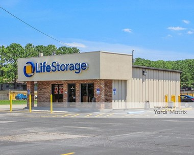 Storage Units for Rent available at 11607 South Memorial Pkwy, Huntsville, AL 35803 Photo Gallery 1