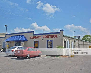 Storage Units for Rent available at 7841 Airport Blvd, Mobile, AL 36608 Photo Gallery 1