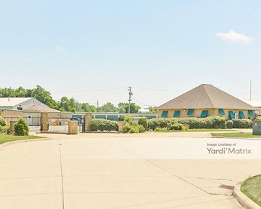 Storage Units for Rent available at 4141 Palmetto Drive, Willoughby, OH 44094 Photo Gallery 1
