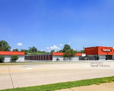 Storage Units for Rent available at 23711 Miles Road, Warrensville Heights, OH 44128 Photo Gallery 1