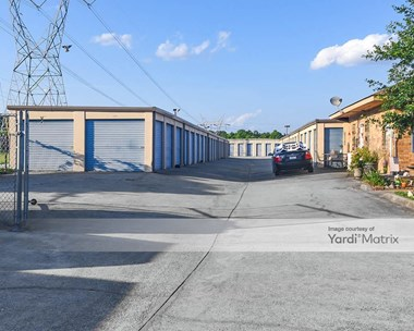 Storage Units for Rent available at 1262 North Columbia Avenue, Rincon, GA 31326 Photo Gallery 1