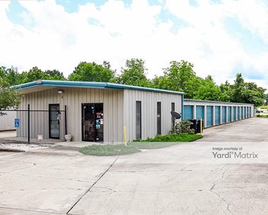 Storage Units for Rent available at 1615 Thomason Drive, Opelika, AL 36801 Photo Gallery 1