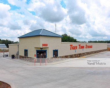 Storage Units for Rent available at 3055 Society Hill Road, Opelika, AL 36804 Photo Gallery 1