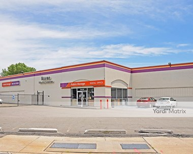 Storage Units for Rent available at 2401 Brooklyn Queens Expwy, Woodside, NY 11377 Photo Gallery 1