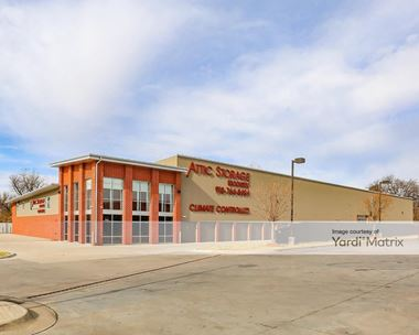 Storage Units for Rent available at 1115 East Skelly Drive, Tulsa, OK 74105 Photo Gallery 1