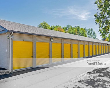 Storage Units for Rent available at 3942 Youngstown Road SE, Warren, OH 44484 Photo Gallery 1