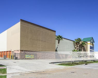 Storage Units for Rent available at 4320 Hessmer Avenue, Metairie, LA 70002 Photo Gallery 1