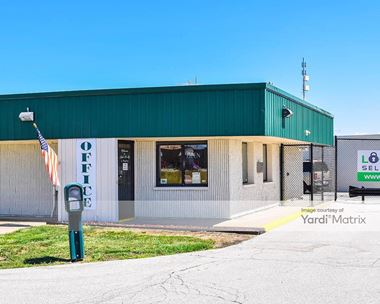 Storage Units for Rent available at 27533 Helen Drive, Perrysburg, OH 43551 Photo Gallery 1