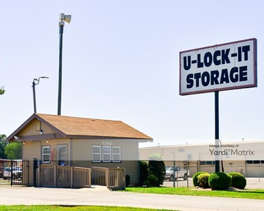 Storage Units for Rent available at 360 Celtic Drive, Madison, AL 35758 Photo Gallery 1